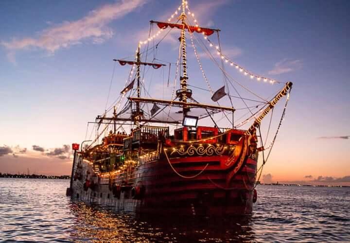 Cena en el barco del Capitán Gancho