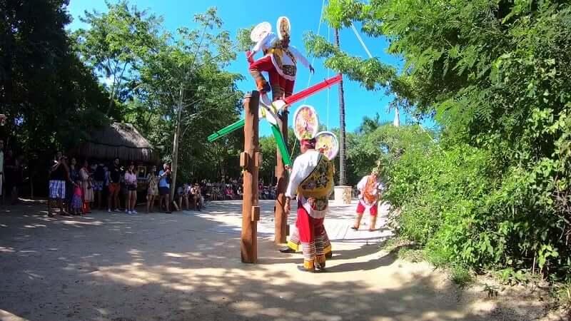 Principales atracciones del Parque Xcaret en Cancún: Performances