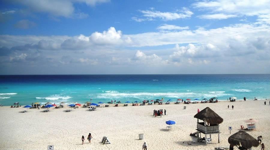 Estructura de Playa Las Perlas en Cancún