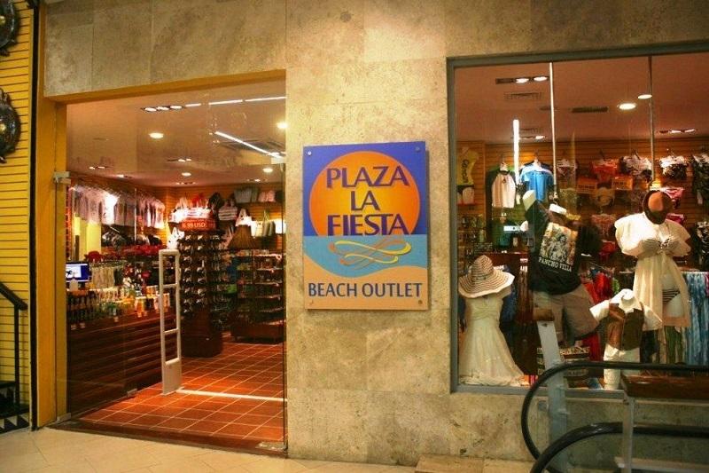 Plaza La Fiesta Mexican Outlet en Forum By the Sea